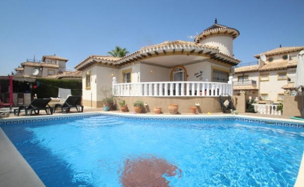 Fantastic Family home in a super location with its own private Pool