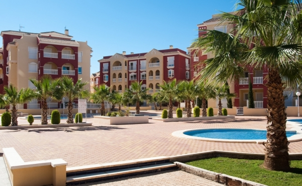 Beautiful apartments with a Mediterranean flair within walking distance to the beach