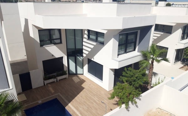 Exclusive Villas for sale in Torrevieja near the beach in Costa Blanca.