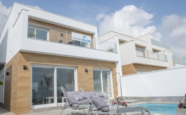 Palmeras Sun Beautiful 3 Bed 2 Bath detached Villas