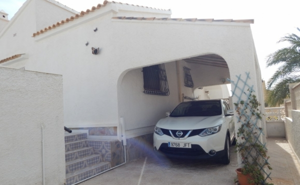 Property for sale in Villamartin (3)