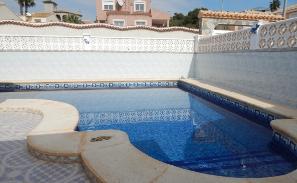 Property for sale in Villamartin (33)