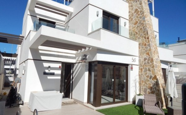 Beautiful Modern Property for sale in Villamartin