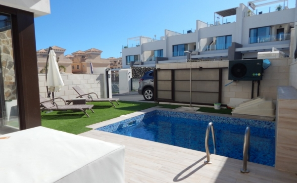 Property forsale in Villamartin 10