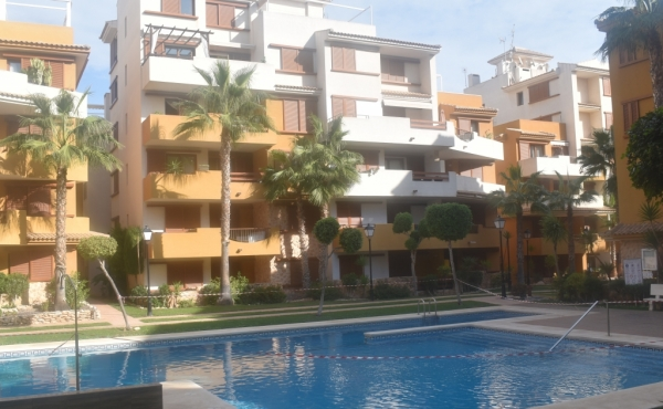Fabulous ground floor apartment overlooking the communal pool area